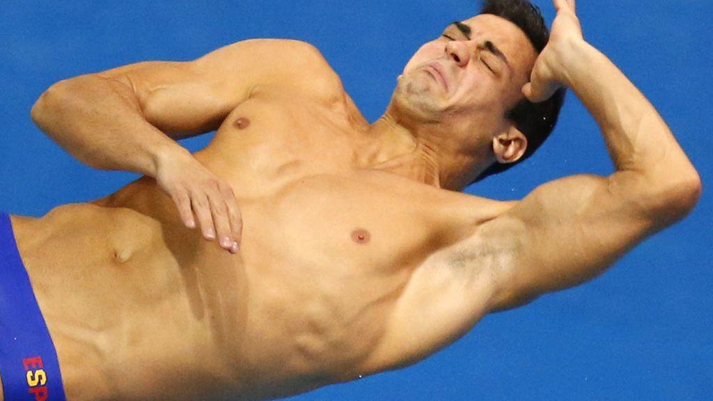 Javier Illana realiza uno de sus saltos