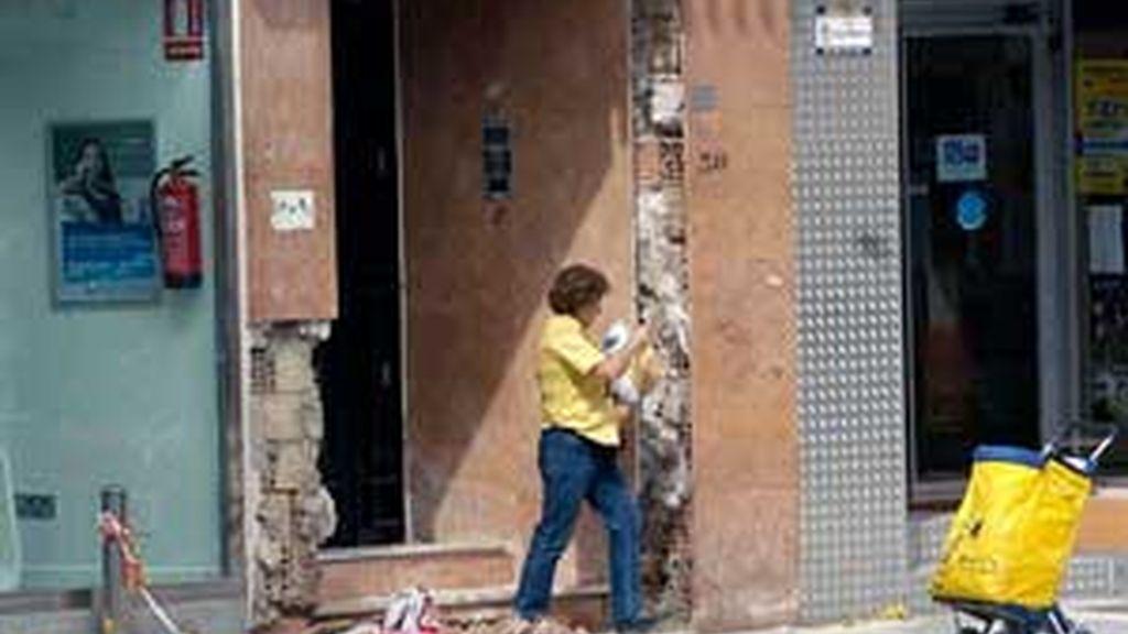 Los ciudadanos de Lorca tratan de recuperar la normalidad en la ciudad. Vídeo: Informativos Telecinco