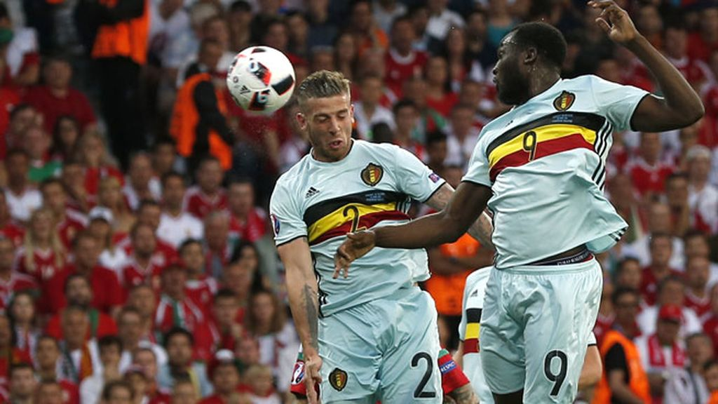 ¡Gol de Bélgica! Buena falta botada por De Bruyne que remató Alderweireld  (0-1)