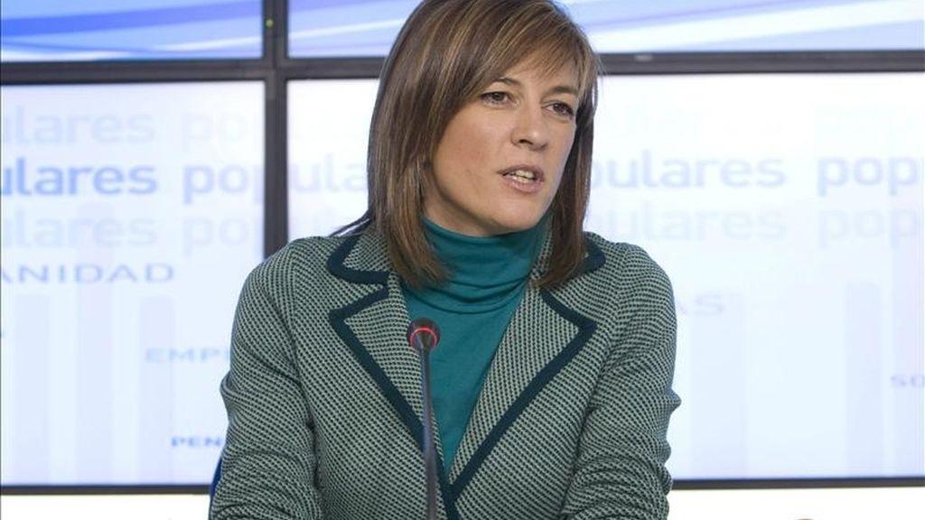 La candidata del Partido Popular a la Presidencia del Principado de Asturias, Isabel Pérez-Espinosa, durante la rueda de prensa que ofreció hoy en Oviedo. EFE
