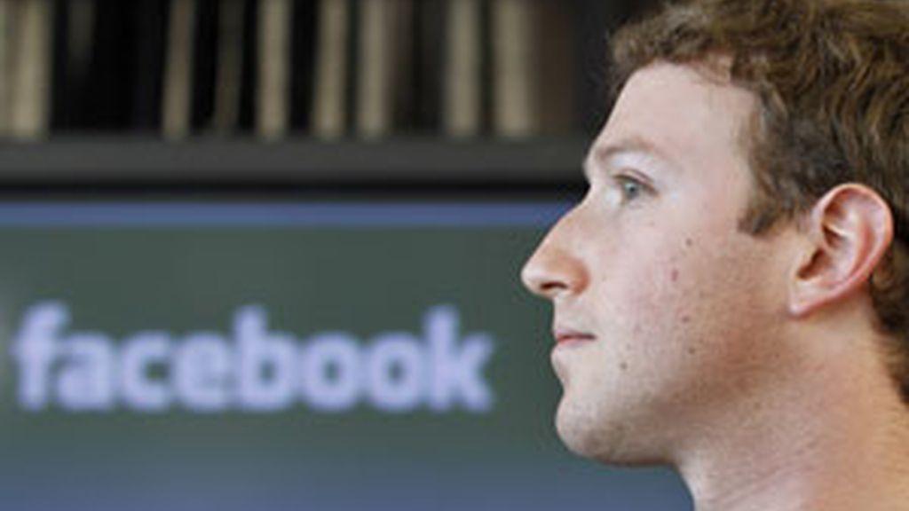 La red social creada por Mark Zuckerberg se enfrenta a una nueva amenaza FOTO: GTRES