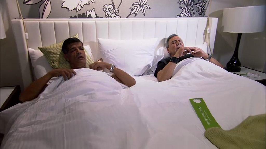 La gran sorpresa de Los Chunguitos en NY: ¡Tienen que compartir cama!