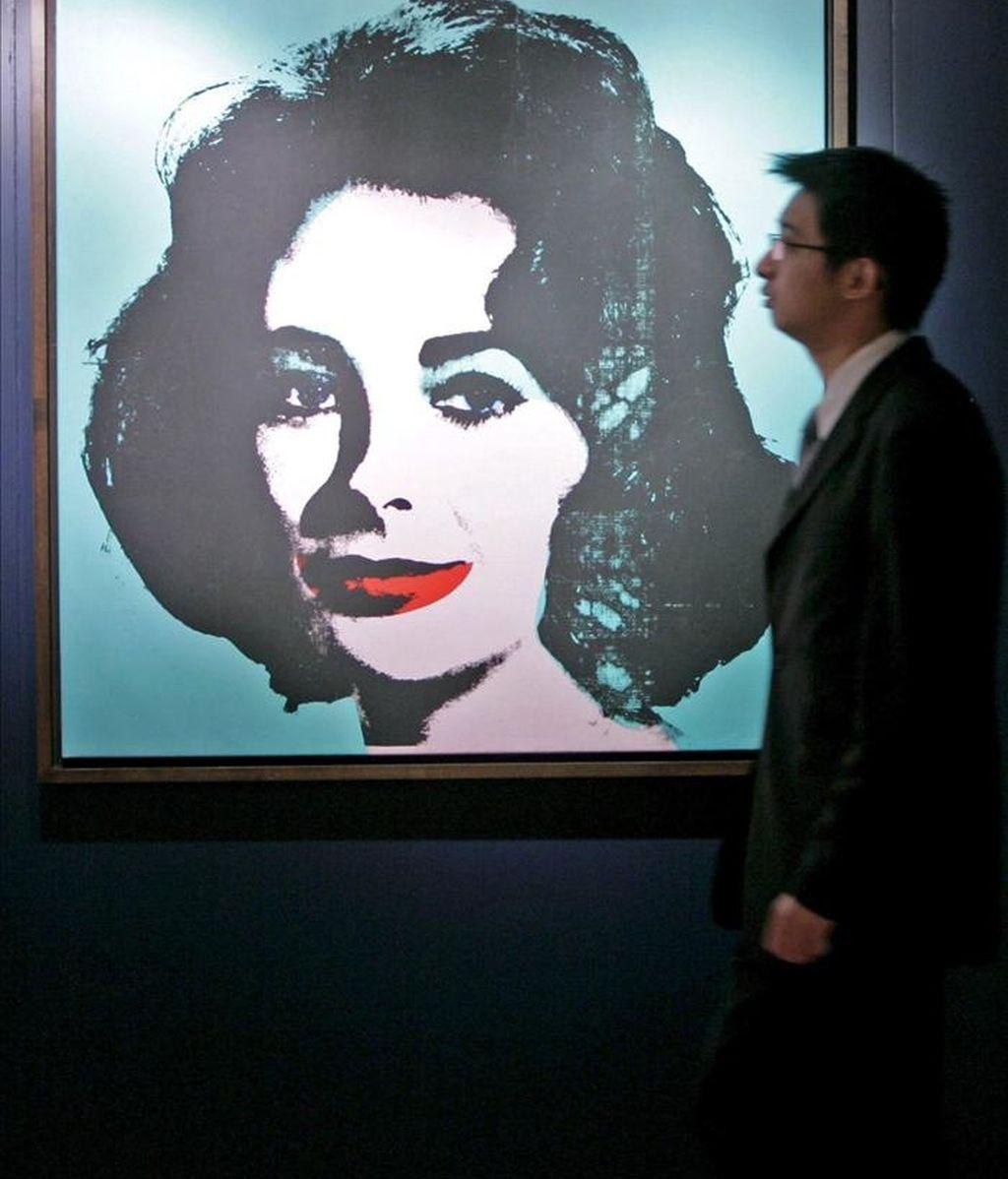 """Fotografía de Christie's de a una serigrafía de Andy Warhol de 1963 titulada """"Liz"""" de la actriz Elizabeth Taylor, fallecida recientemente. EFE/Archivo"""