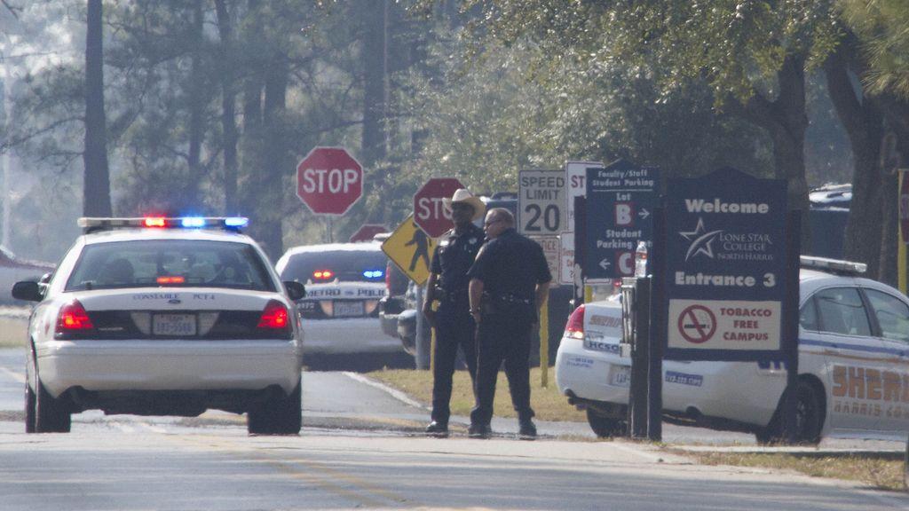 Tres heridos por un tiroteo en el campus universitario de Lone Star College en Houston