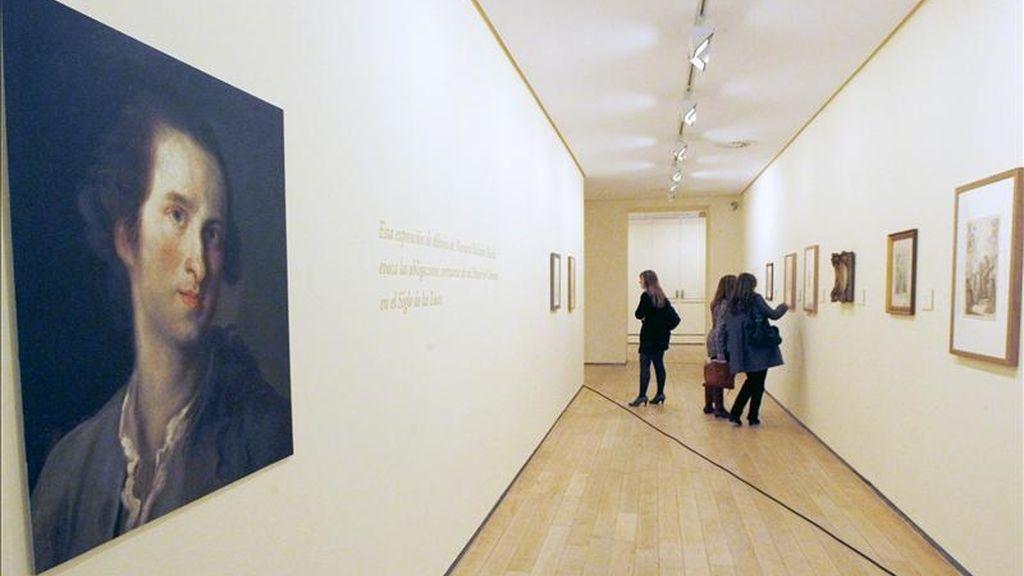 Autorretrato del pintor de cámara en la corte, Mariano Maella, contemporáneo de Goya, y cuya primera exposición dedicada a este artista en España ha sido inaugurada hoy en la Fundación Marcelino Botín. EFE/