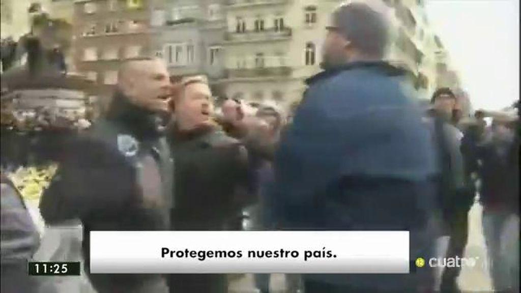 'Hooligans' de la ultraderecha interrumpen los actos de homenaje a las víctimas