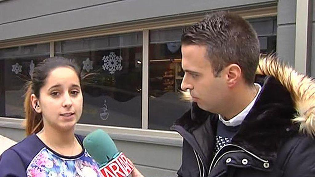 """Verónica, testigo de la agresión a los aficionados del Atleti en Coruña: """"Cogieron un cristal y le cortaron en el cuello"""""""