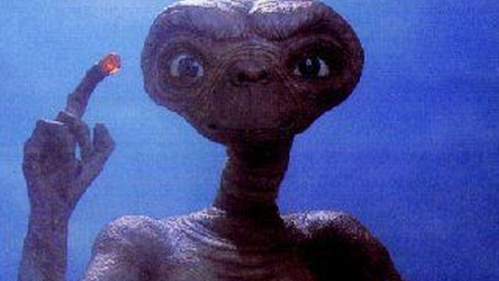 Los extraterrestres podrían acabar con la raza humana si descubren que ponemos en peligro a otras civilizaciones. Fotograma de ET del director Steven Spielberg.
