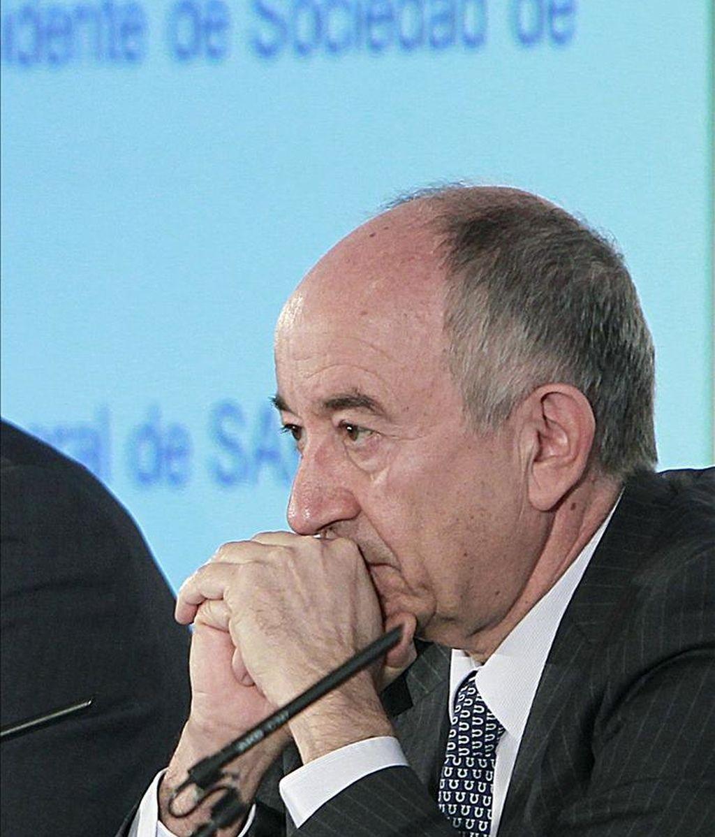 El gobernador del Banco de España, Miguel Ángel Fernández Ordóñez, durante el XVIII Encuentro del sector financiero sobre el reposicionamiento del sistema bancario español, organizado por Deloitte, ABC, SAP y la Sociedad de Tasación. EFE