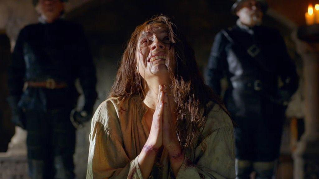 El padre Ferrán traiciona a Inés