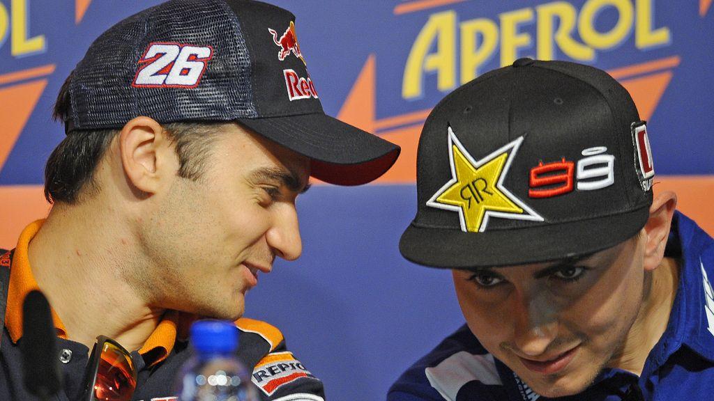 Pedrosa y Lorenzo charlan en la rueda de prensa del GP de Catalunya
