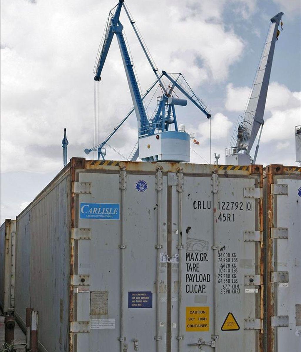Vista de un contenedor en el puerto de Vigo.  EFE/Archivo