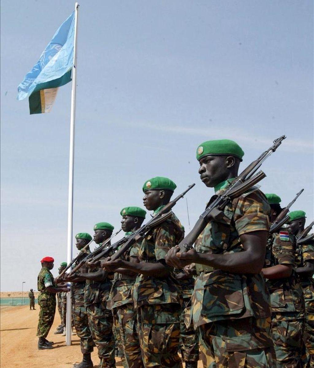UNAMID tiene más de 17.700 soldados desplegados en Darfur, donde se calcula que han muerto más de 300.000 personas y otros dos millones y medio se han visto obligadas a abandonar sus hogares desde 2003. EFE/Archivo