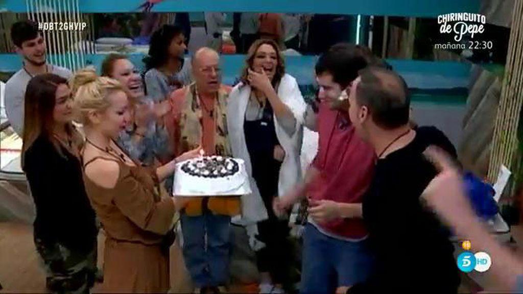 Julián Contreras celebra su cumpleaños por primera vez en 12 años