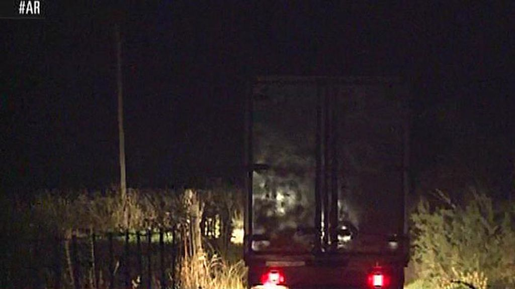 ¿Qué llevaba el camión de mudanzas que salió de Cantora de madrugada?