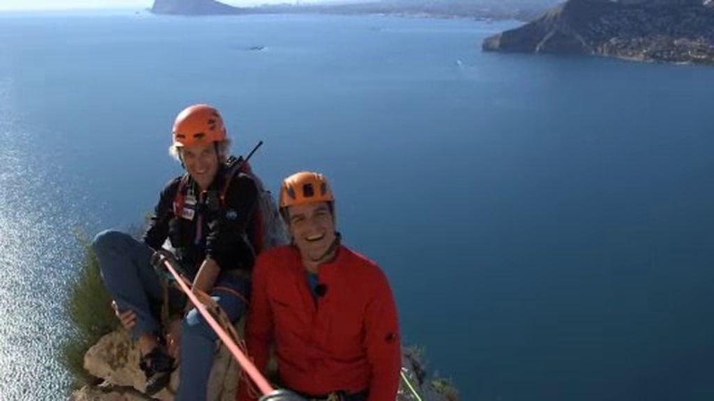 Pedro Sánchez supera la primera parte de la escalada del Peñón de Ifach