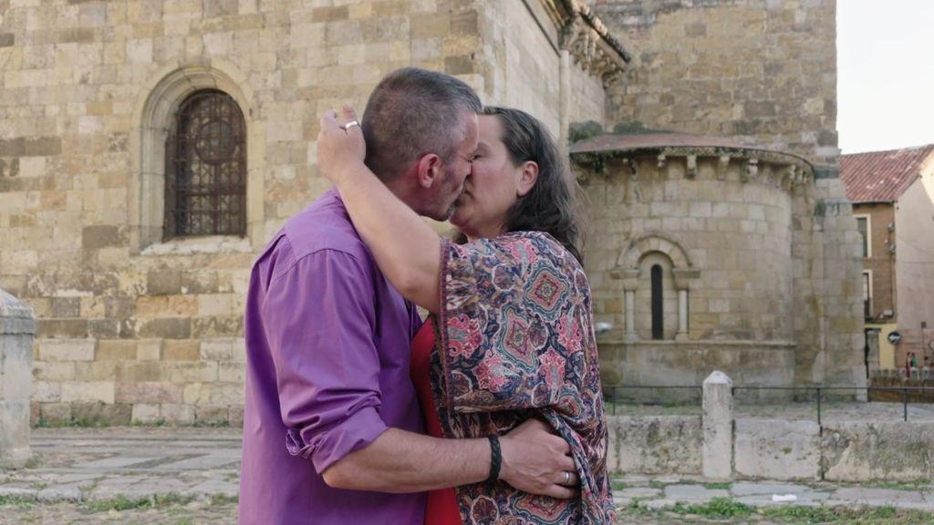 Verónica y Sergio hacen un compromiso sin condiciones en 'Mejor llama a Pilar'