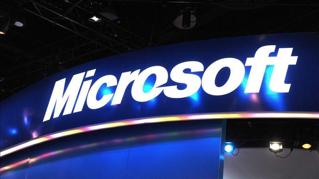 La compra de la plataforma telefónica aportaría a Microsoft, según The Wall Street Journal, una marca reconocida en Internet en momentos en los que este gigante busca aumentar su penetración entre los usuarios de la web. EFE/Archivo