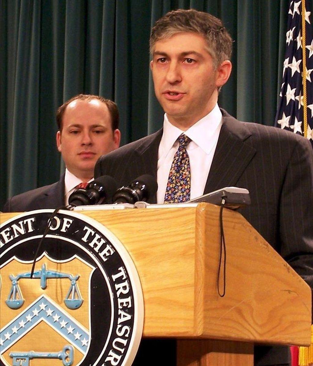 El subsecretario para Terrorismo e Inteligencia Financiera del Departamento del Tesoro de EE.UU., Stuart Levey, anunció que el banco fue incluido en la lista negra de instituciones de blanqueo de dinero relacionado con el tráfico de drogas internacional. EFE/Archivo