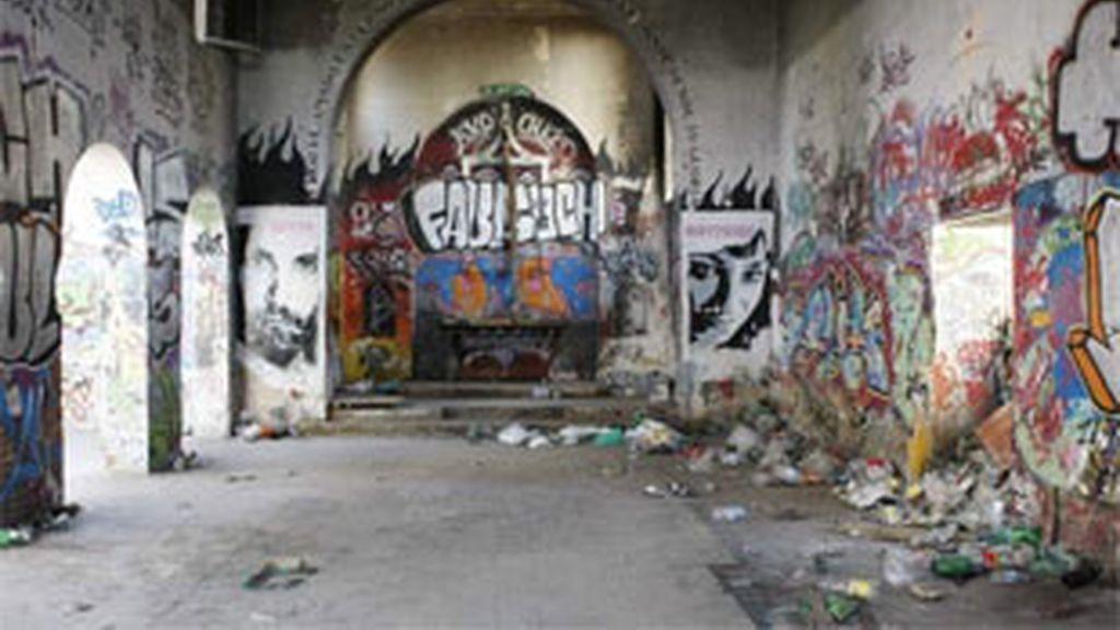 Interior del monasterio abandonado de Perales del Río. Foto: EFE.