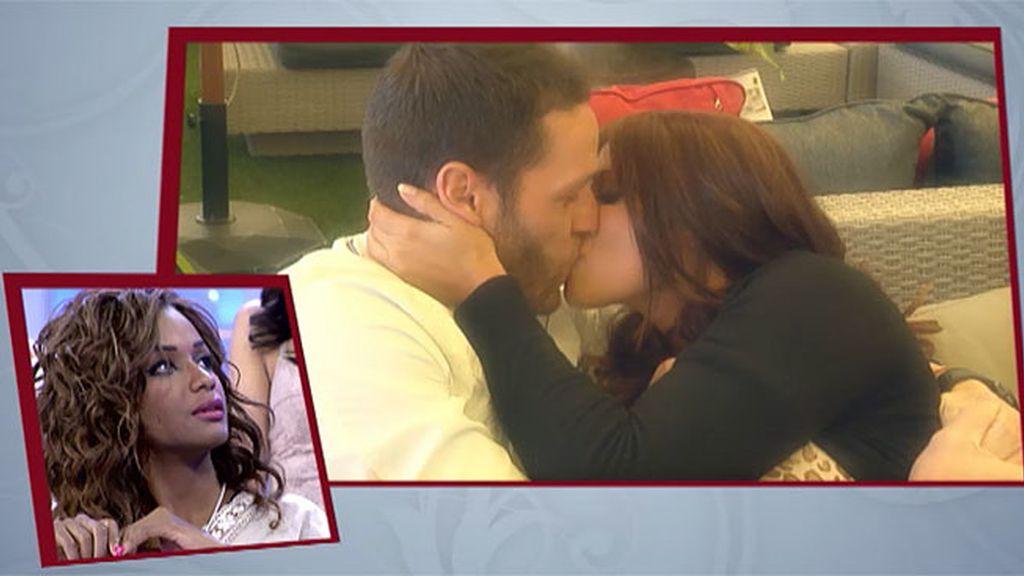 Susana se lanza y le planta un beso a Leo