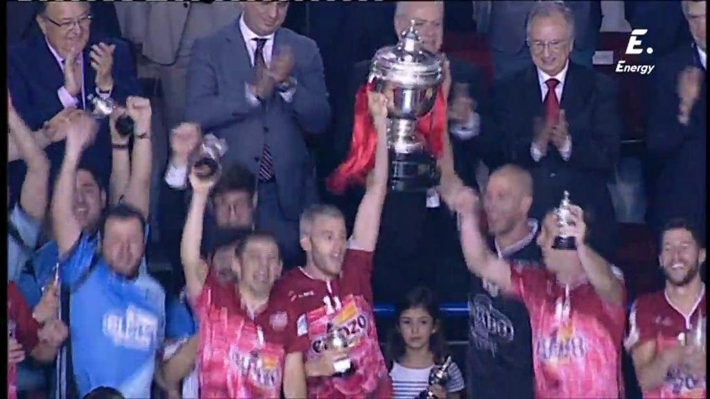 ElPozo celebra su primera Copa del Rey por todo lo alto