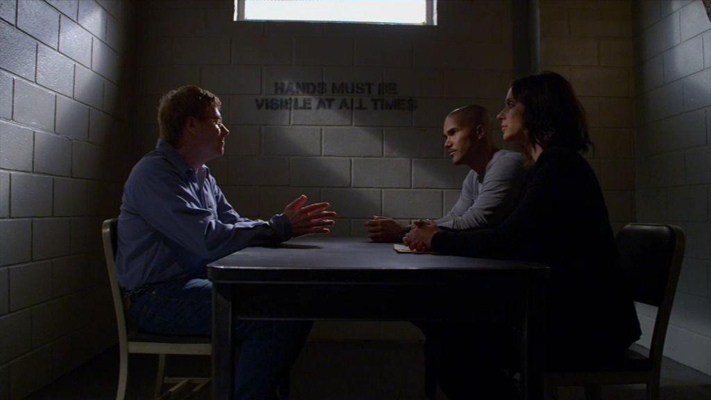 Morgan y Callahan creen que el pederasta acusado del primer crimen está mintiendo