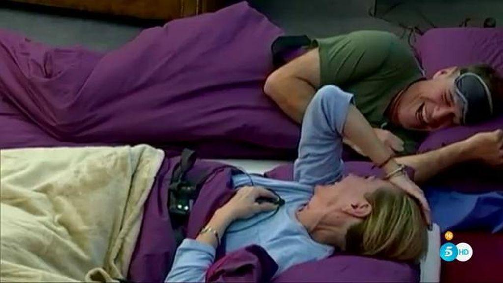 Rosa y Raquel entierran el hacha de guerra con Carlos Lozano