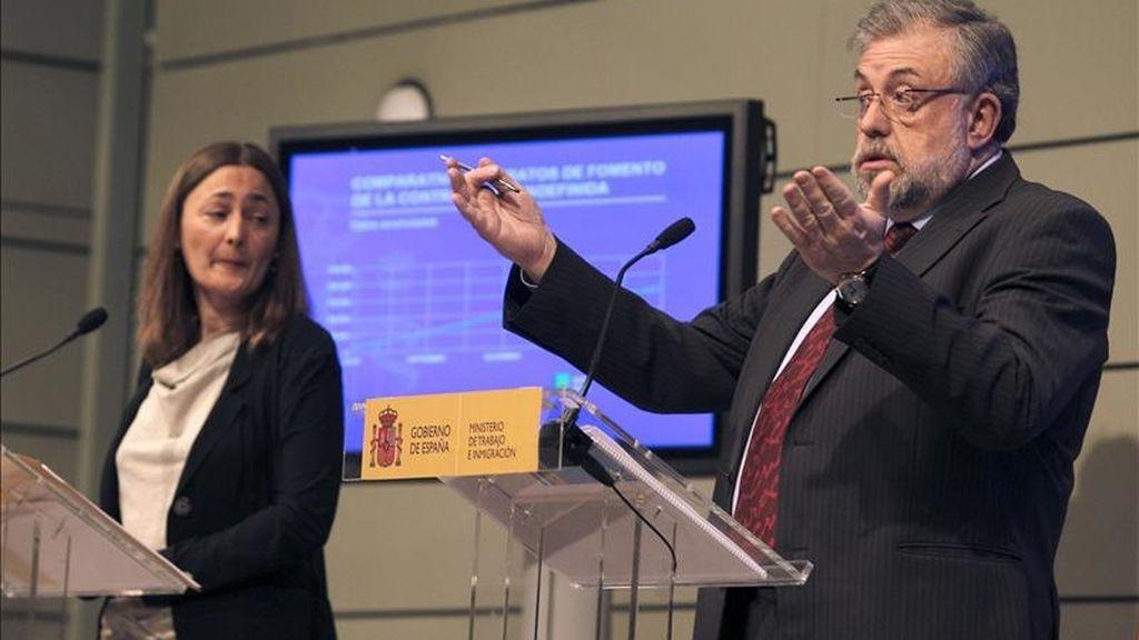 Los secretarios de Estado de Empleo, Mari Luz Rodríguez, y de Seguridad Social, Octavio Granado, valoraron hoy en rueda de prensa los datos del paro registrado y la afiliación en marzo. EFE
