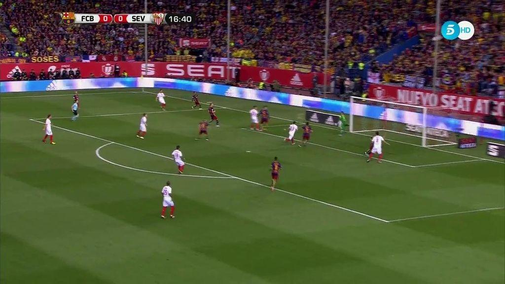 ¡Doble ocasión de gol para el Sevilla! Vitolo se la deja a Coke que le pega mal