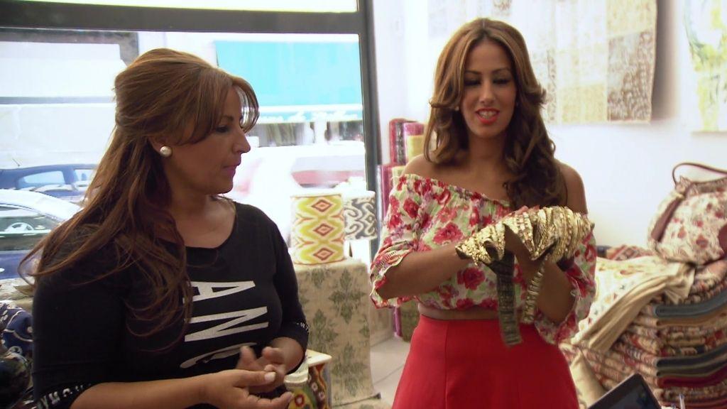 Raquel y Noemí, en busca de la tela perfecta para sus vestidos ¡a Estambul!