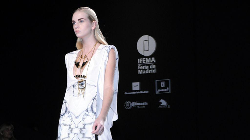 La masonería impregna cada prenda de la nueva colección de Ana Locking