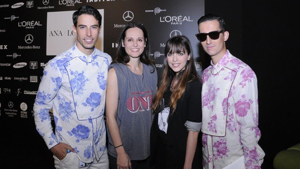 En el kissing room junto a Ana Locking y Leticia Dolera. Nuestras camisas son de Modas Cabezón.