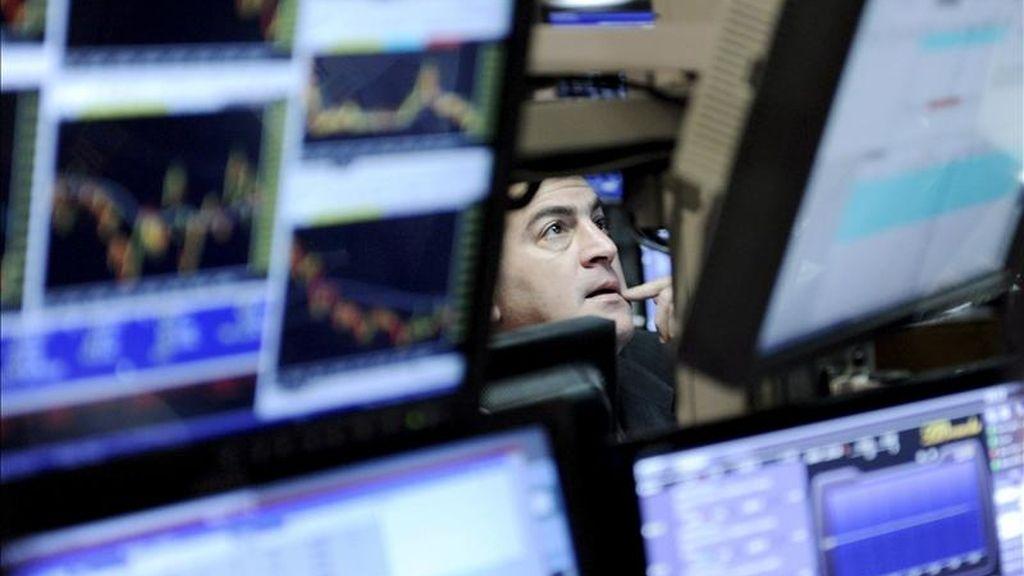 Al cierre de las contrataciones en el parque neoyorquino, el índice Dow Jones de Industriales sumó 14,16 puntos, para finalizar en las 12.285,15 unidades. EFE/Archivo