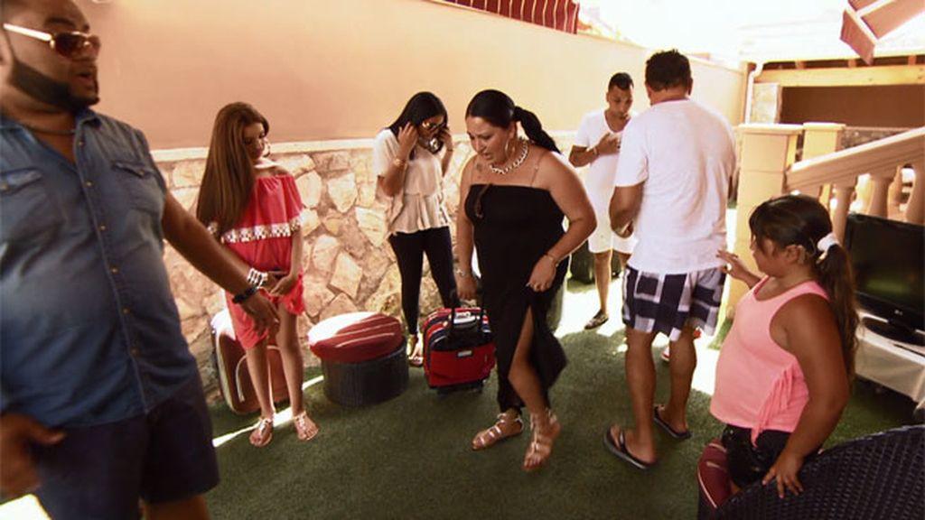 ¡Plaga de saltamontes en casa de los Fernández-Navarro!