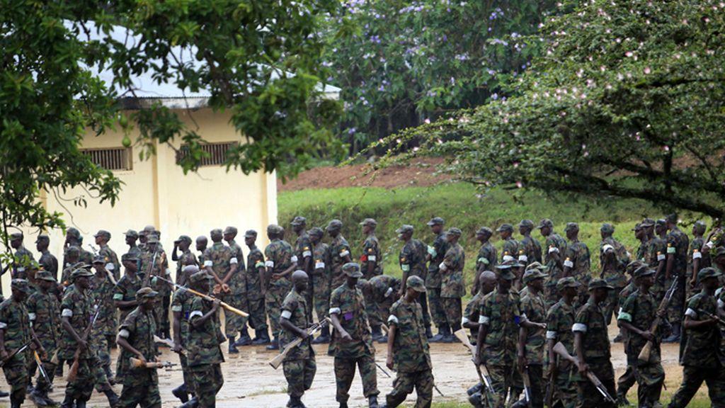 Soldados somalíes reciben instrucción de expertos de la UE