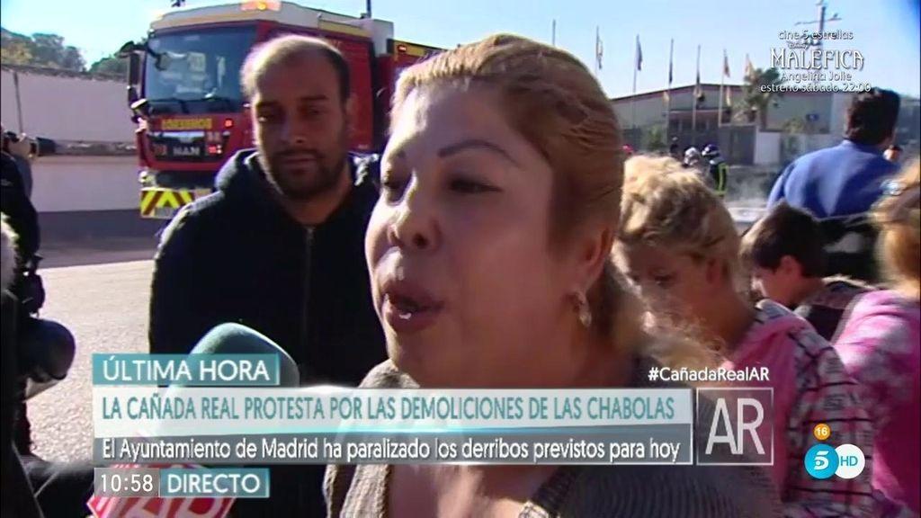 """Vecina Cañada Real: """"Que nos hagan un barrio para los gitanos, así no molestamos"""""""
