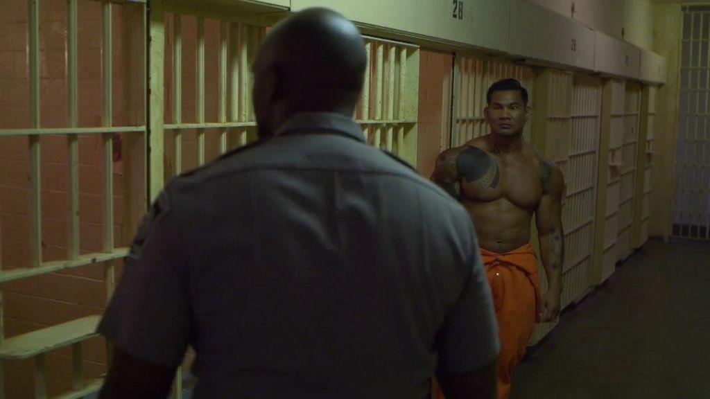¿Qué tiene que ver Hotch con un motín que se organiza en la cárcel?