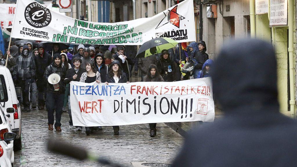 Estudiantes calculan un 80 % de seguimiento de la huelga y el Gobierno un 3 %