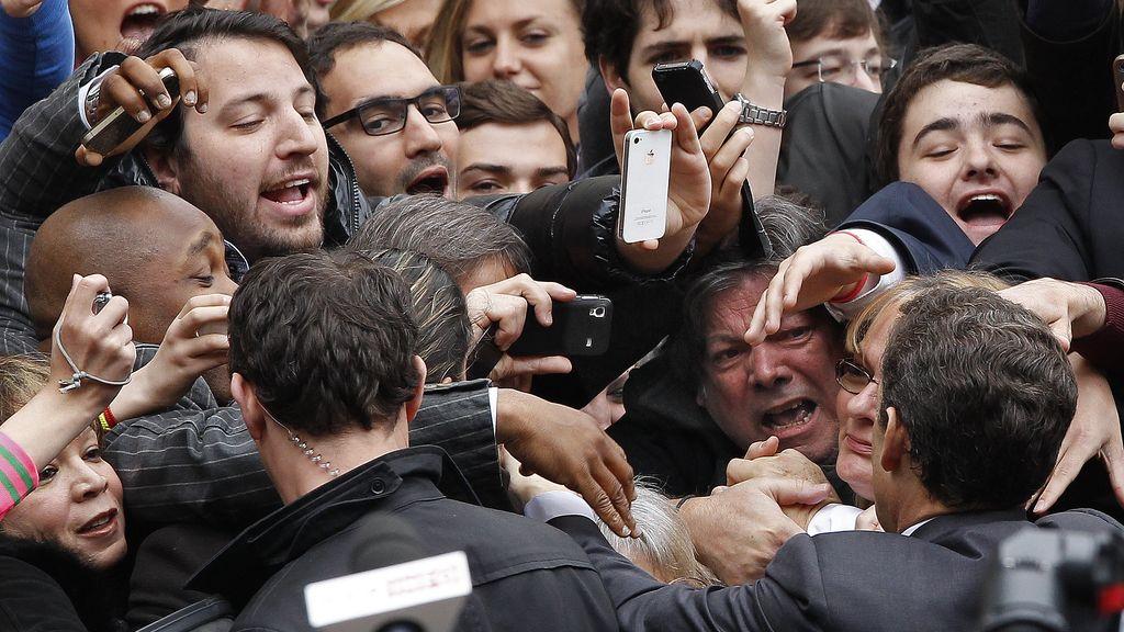 Nicolás Sarkozy a la salida del colegio electoral
