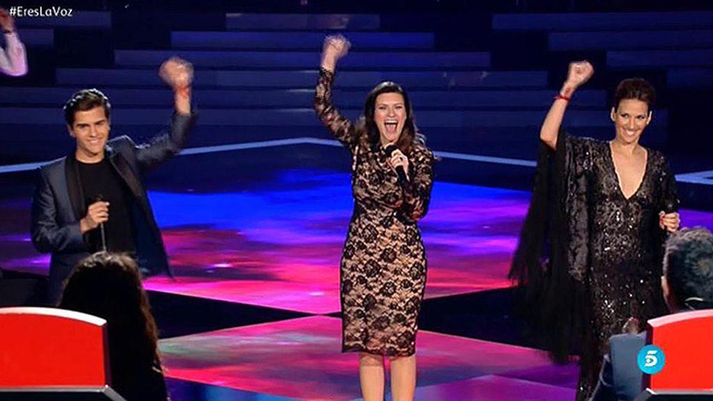 La actuación de Pausini con 'La Flaka' y Maverick