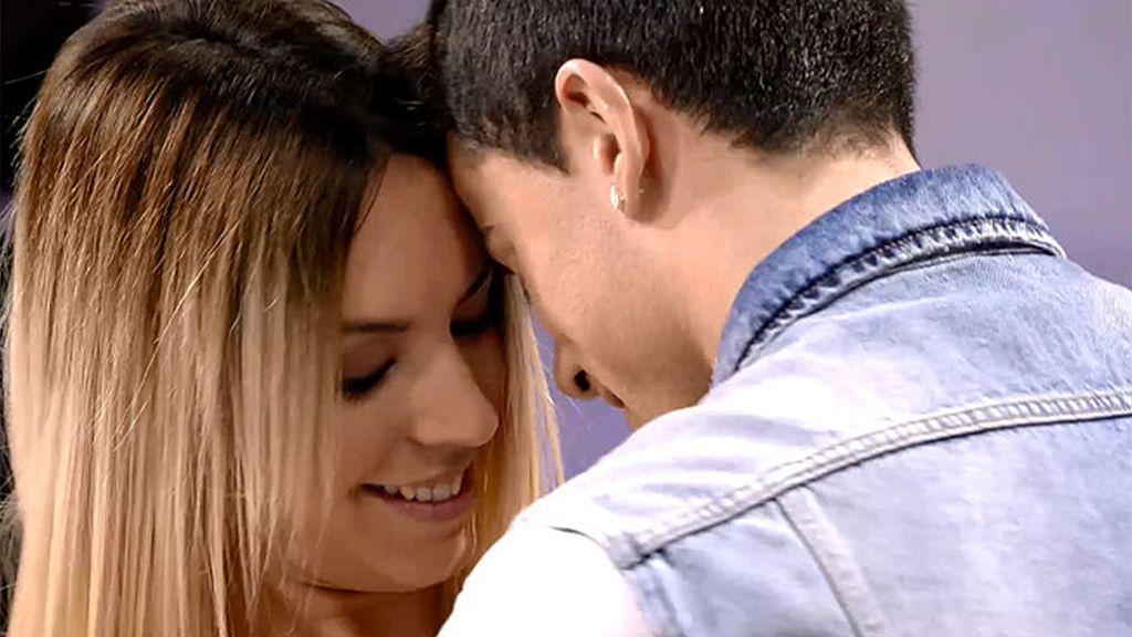 Melani seduce a Diego con un baile sexy