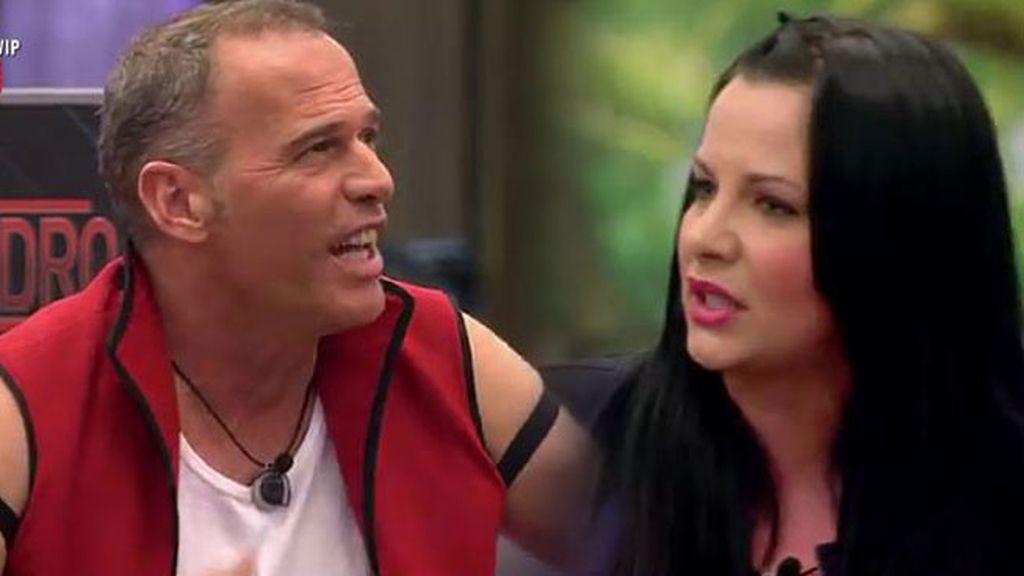 """Laura C., a Carlos: """"Vendes que eres un amigo y luego le das donde más le duele"""""""