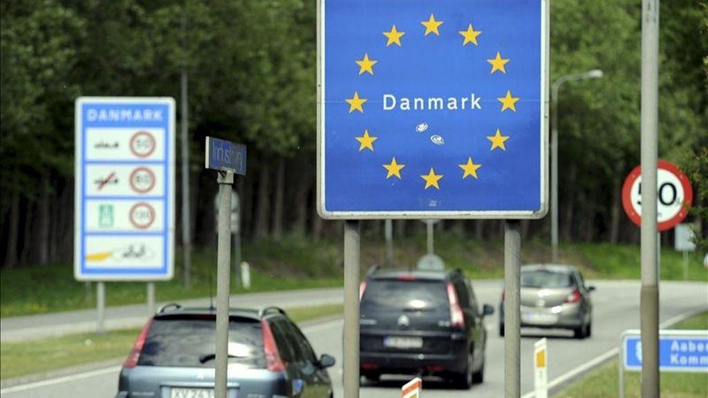 Un letrero indica la llegada a territorio danés en Padborg, cerca de Flensburg, en la frontera entre Alemania y Dinamarca. EFE/Archivo