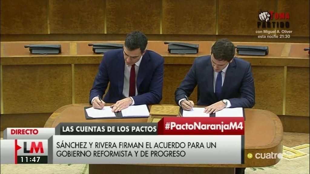 Pedro Sánchez y Albert Rivera firman el documento de acuerdo