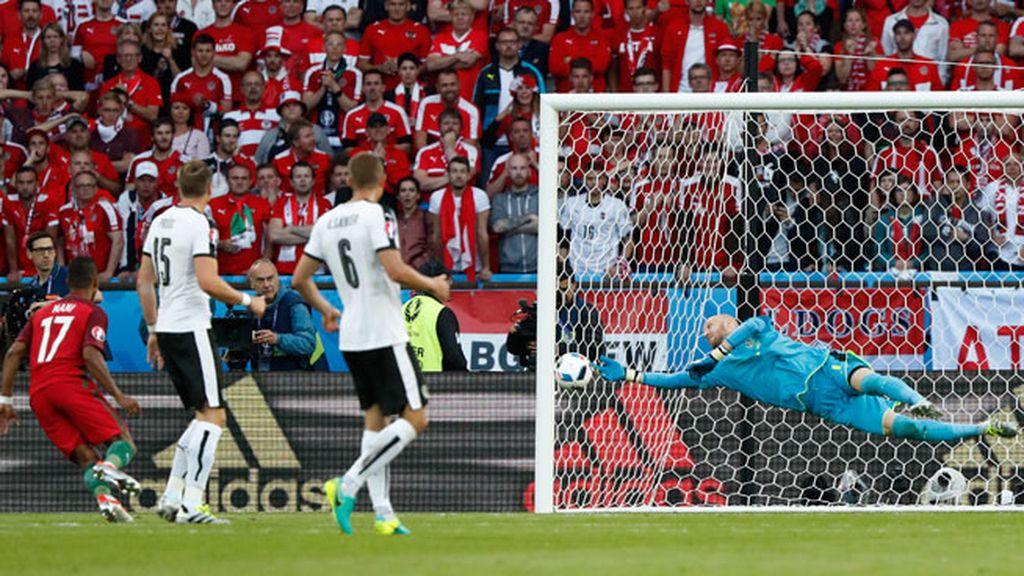 Doble parada de Almer para salvar el primer gol de la Selección portuguesa