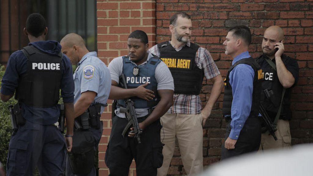 Cuatro muerto en un tiroteo en el edificio de la Marina de EEUU en Washington