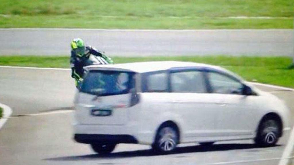 El tremendo susto que se llevo Pol Espargaró con una furgoneta en Sepang