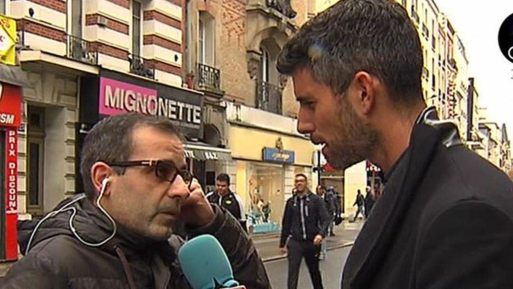 """Miguel, vecino de Saint - Denis: """"Se pueden ver las balas de la fachada"""""""