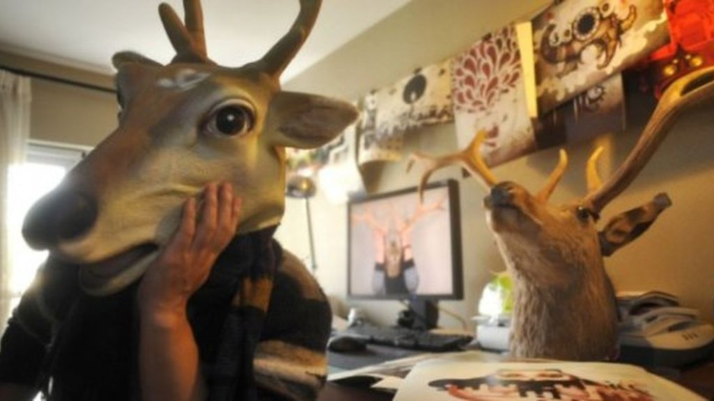 ¡Cinco años con una máscara de ciervo!